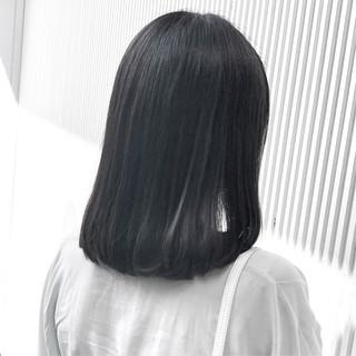 ナチュラル アッシュ ストレート アッシュグレージュ ヘアスタイルや髪型の写真・画像