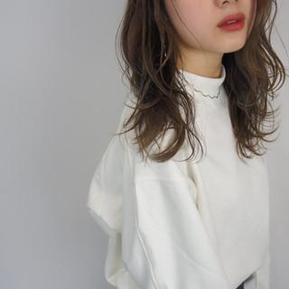 セミロング ファッション デート ナチュラル ヘアスタイルや髪型の写真・画像
