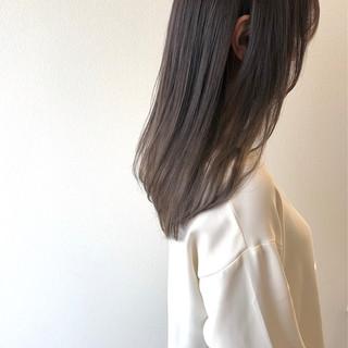 シルバーグレー アッシュグレージュ グレージュ ナチュラル ヘアスタイルや髪型の写真・画像