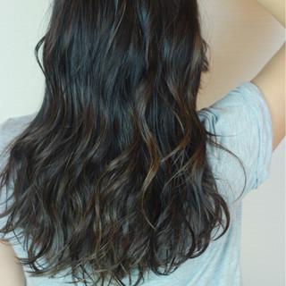 グレージュ 外国人風カラー ロング アッシュ ヘアスタイルや髪型の写真・画像
