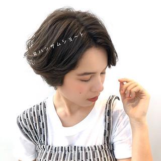 ハンサムショート ナチュラル 暗髪 デート ヘアスタイルや髪型の写真・画像