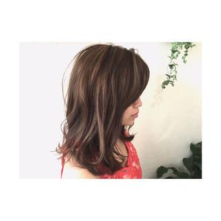 ゆるふわ ストリート 外国人風 ミディアム ヘアスタイルや髪型の写真・画像 ヘアスタイルや髪型の写真・画像