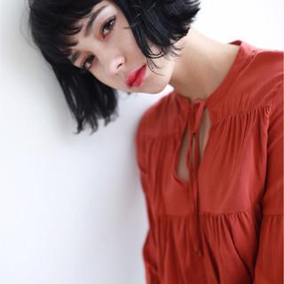 ラフ 外ハネ ショートボブ ブラントカット ヘアスタイルや髪型の写真・画像