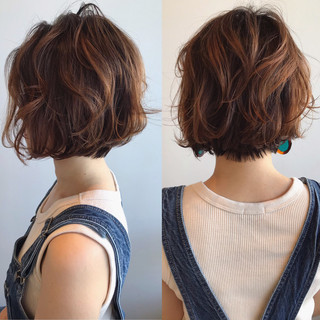 大人ショート ハンサムボブ フェミニン ボブ ヘアスタイルや髪型の写真・画像