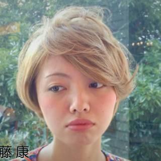大人かわいい ハイトーン ショート アシメバング ヘアスタイルや髪型の写真・画像