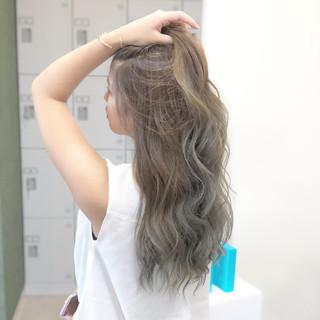 グレージュ 上品 外国人風カラー エレガント ヘアスタイルや髪型の写真・画像