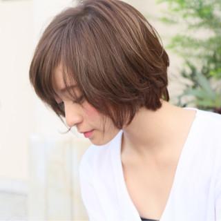 ショートボブ かわいい アッシュ ナチュラル ヘアスタイルや髪型の写真・画像