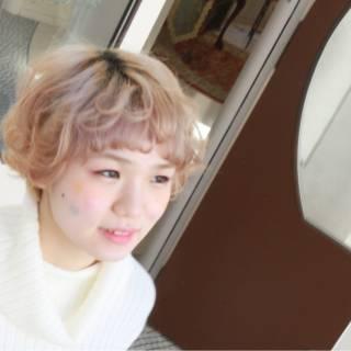 ハイトーン フェミニン マッシュ ショート ヘアスタイルや髪型の写真・画像