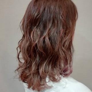 外国人風 抜け感 ゆるふわ 大人かわいい ヘアスタイルや髪型の写真・画像 ヘアスタイルや髪型の写真・画像