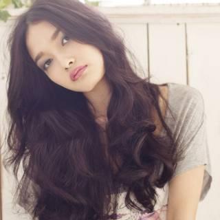 大人かわいい 暗髪 ロング 秋 ヘアスタイルや髪型の写真・画像