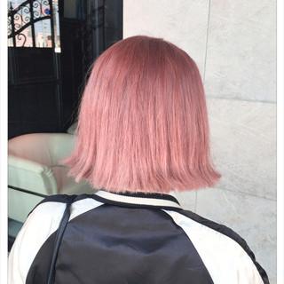 ピンクアッシュ ブリーチ ピンク ストリート ヘアスタイルや髪型の写真・画像