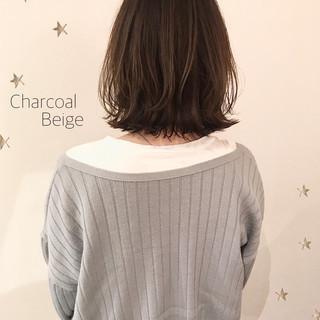 ミディアムレイヤー ワンカール ロブ 切りっぱなし ヘアスタイルや髪型の写真・画像