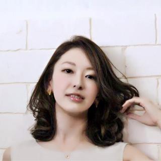 艶髪 デジタルパーマ セミロング 上品 ヘアスタイルや髪型の写真・画像