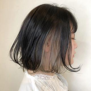 ボブ フェミニン インナーカラーシルバー インナーカラーグレー ヘアスタイルや髪型の写真・画像