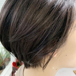 透明感カラー グレージュ ショート ナチュラル ヘアスタイルや髪型の写真・画像