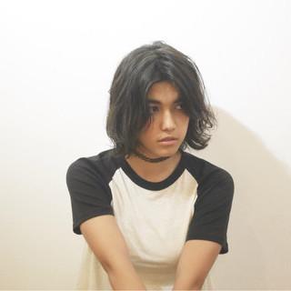 外ハネ 外国人風 黒髪 暗髪 ヘアスタイルや髪型の写真・画像
