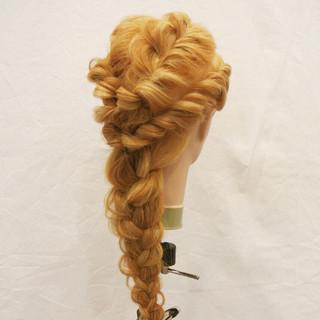 編み込み ヘアアレンジ ねじり 夏 ヘアスタイルや髪型の写真・画像 ヘアスタイルや髪型の写真・画像