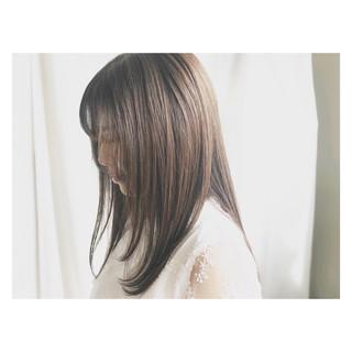 秋 ハイライト 透明感 セミロング ヘアスタイルや髪型の写真・画像