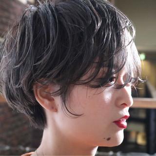 パーマ ナチュラル ショート アンニュイほつれヘア ヘアスタイルや髪型の写真・画像
