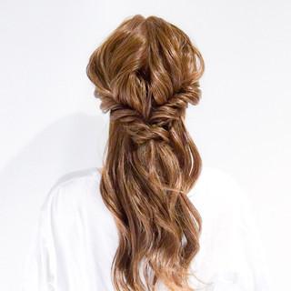 ショート ヘアアレンジ オフィス 簡単ヘアアレンジ ヘアスタイルや髪型の写真・画像 ヘアスタイルや髪型の写真・画像