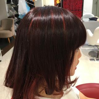 ボブ イルミナカラー レッド インナーカラー ヘアスタイルや髪型の写真・画像