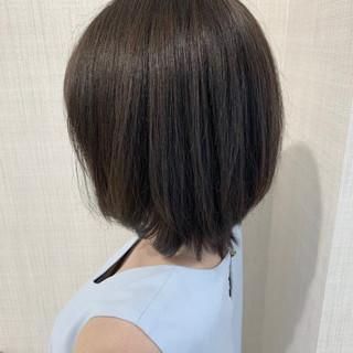 シルバーアッシュ アッシュグレー アッシュ ミディアム ヘアスタイルや髪型の写真・画像
