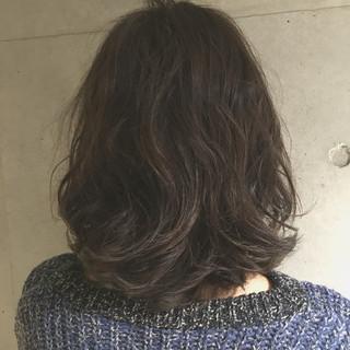 外国人風 アッシュ ブラウン 暗髪 ヘアスタイルや髪型の写真・画像