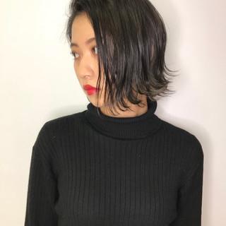 インナーカラー モード 暗髪 アッシュグレージュ ヘアスタイルや髪型の写真・画像