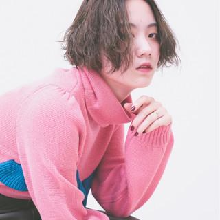 秋 アッシュ ショートボブ パーマ ヘアスタイルや髪型の写真・画像