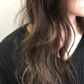 ウェーブ ミルクティー エレガント ベージュ ヘアスタイルや髪型の写真・画像