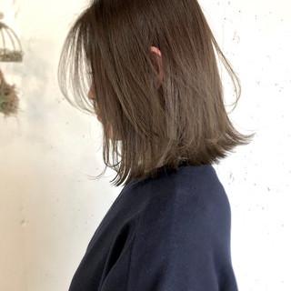 切りっぱなし ベージュ ナチュラル ロブ ヘアスタイルや髪型の写真・画像 ヘアスタイルや髪型の写真・画像