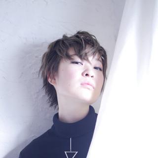 バレイヤージュ ウェーブ ストリート アンニュイ ヘアスタイルや髪型の写真・画像