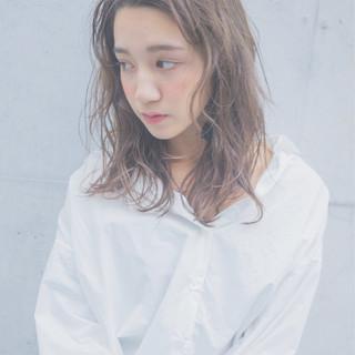 ストリート アッシュ かき上げ前髪 パーマ ヘアスタイルや髪型の写真・画像