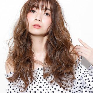 フェミニン パーマ 前髪あり 透明感 ヘアスタイルや髪型の写真・画像