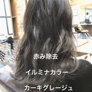 パーマ アッシュグレージュ イルミナカラー ゆるふわパーマ ヘアスタイルや髪型の写真・画像