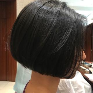 大人女子 まとまるボブ 前下がりボブ エレガント ヘアスタイルや髪型の写真・画像