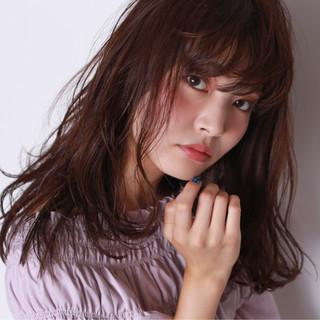 パーマ セミロング リラックス アッシュ ヘアスタイルや髪型の写真・画像