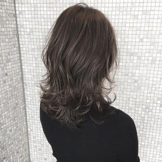 ゆるふわ アッシュ 暗髪 ナチュラル ヘアスタイルや髪型の写真・画像