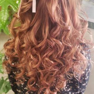 ヘアアレンジ ガーリー ロング ピンクカラー ヘアスタイルや髪型の写真・画像