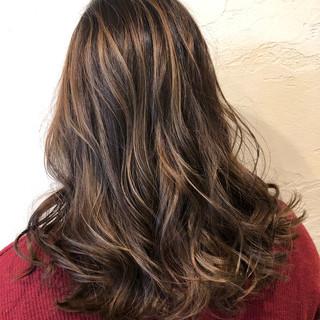 セミロング 外国人風カラー コントラストハイライト 大人ハイライト ヘアスタイルや髪型の写真・画像