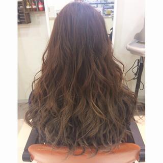 暗髪 グラデーションカラー アッシュ 渋谷系 ヘアスタイルや髪型の写真・画像