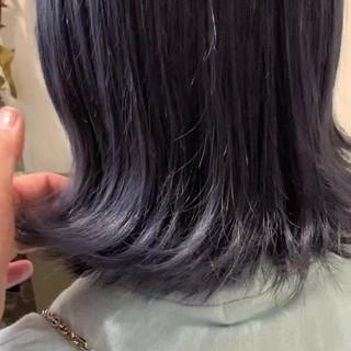 ナチュラル アンニュイほつれヘア ネイビーブルー ミニボブ ヘアスタイルや髪型の写真・画像