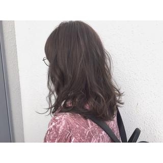 アッシュ グレージュ ストリート ハイライト ヘアスタイルや髪型の写真・画像