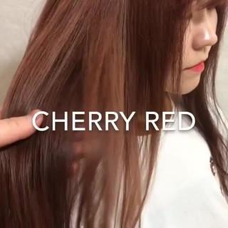 レッドカラー ハイトーンカラー ミルクティーベージュ ストリート ヘアスタイルや髪型の写真・画像