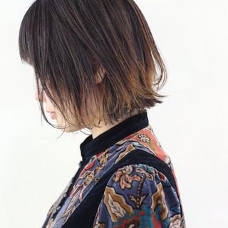 グラデーションカラー ボブ 外ハネ ストリート ヘアスタイルや髪型の写真・画像
