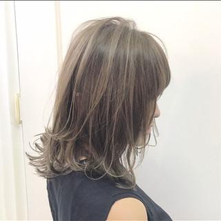 ナチュラル ハイライト ミディアム ニュアンス ヘアスタイルや髪型の写真・画像