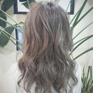ストリート くせ毛風 外国人風 セミロング ヘアスタイルや髪型の写真・画像
