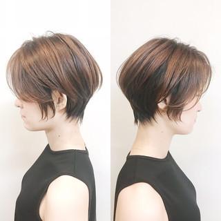 ショートヘア ミニボブ ショート ナチュラル ヘアスタイルや髪型の写真・画像