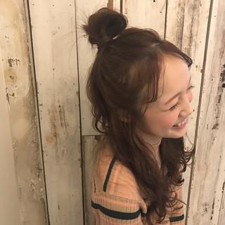 前髪あり ナチュラル ニュアンス お団子 ヘアスタイルや髪型の写真・画像 ヘアスタイルや髪型の写真・画像