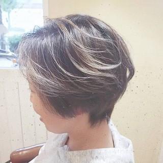 バレイヤージュ ハンサムショート アディクシーカラー ダブルカラー ヘアスタイルや髪型の写真・画像